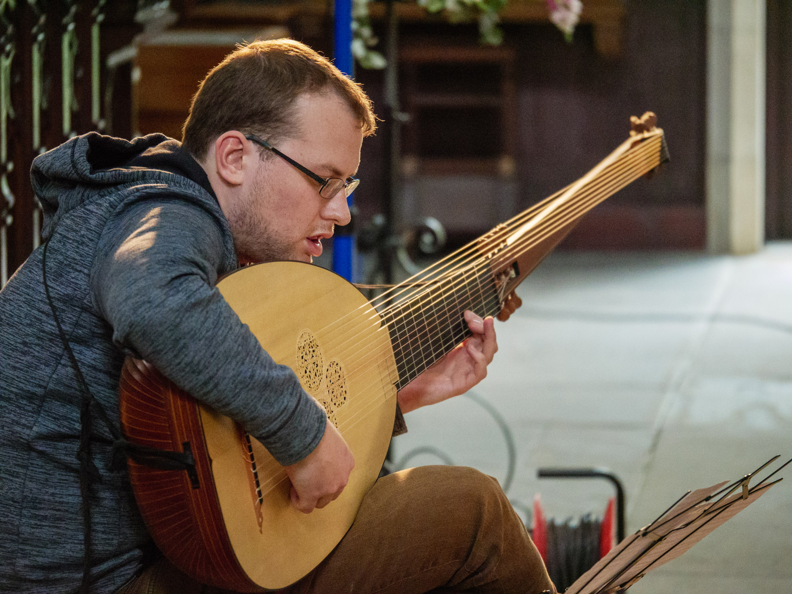 Toby Carr playing theorbo