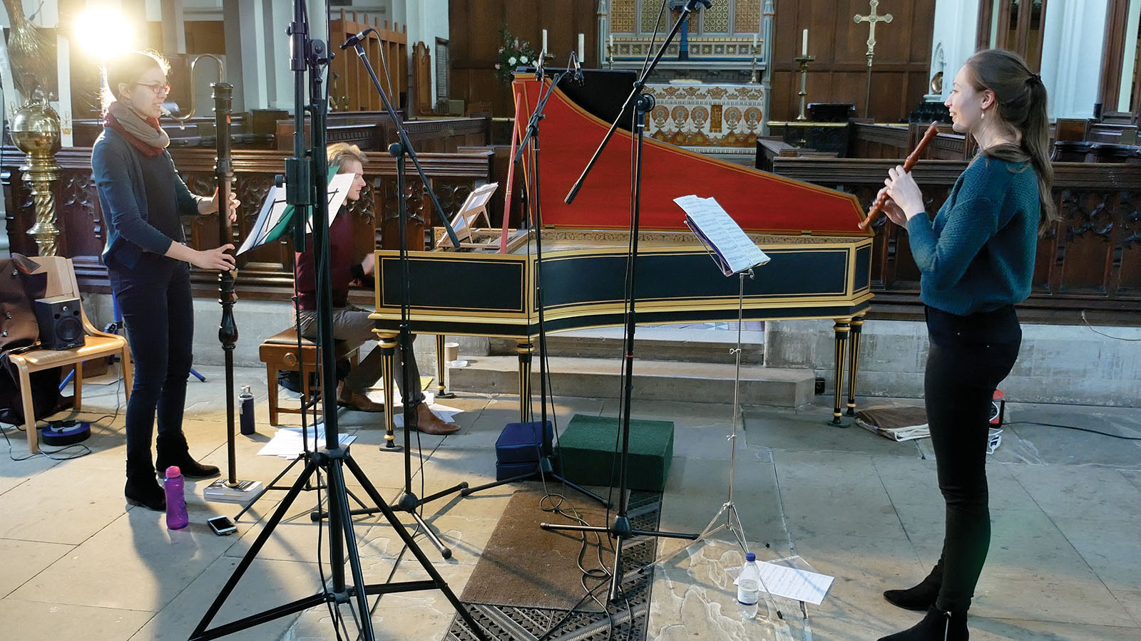 Olwen, Tabea and Nat in the recording session, with instruments and microphones